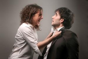 Women-Emotional.-Men-Withdraw-femeie-certand-barbatul-woman-arguing